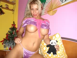blondes on cam