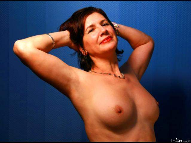 Cheating MILF live sex show