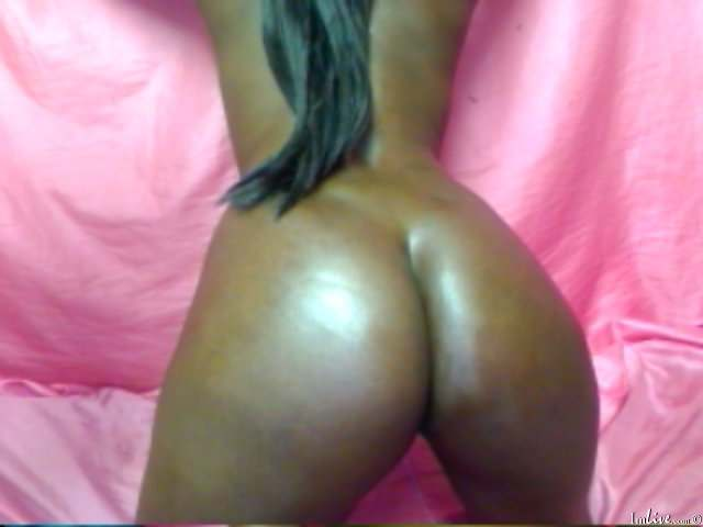 Luscious black booty live sex